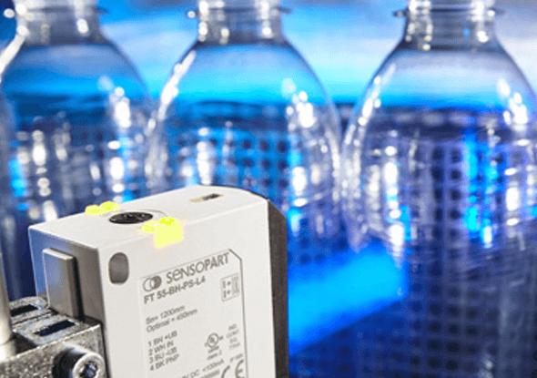 Detectie van doorzichtige flessen | SensoPart